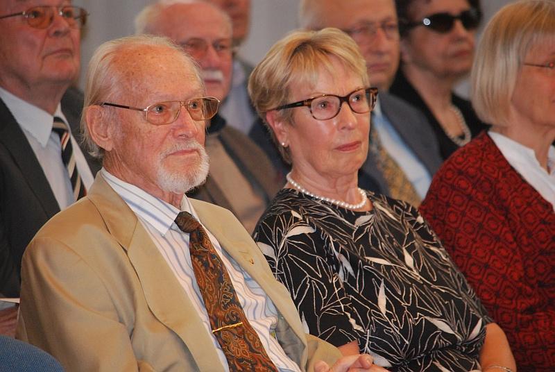Dr. h.c. Hans Bergel und seine Gattin Elke bei der Festveranstaltung zu seinem 90. Geburtstag am 10. September 2015 im Sudetendeutschen Haus in München. Foto: Hans-Werner Schuster