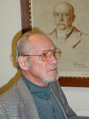 Hans Bergel bei einer Veranstaltung im Haus des Deutschen Ostens in München am 14. März 2002. Foto: Robert Sonnleitner